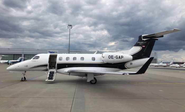 Avcon Jet Embraer Phenom 300 exterior
